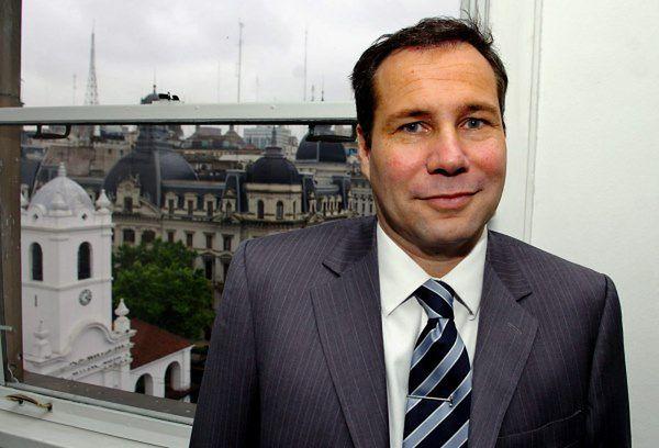 Reporter, który napisał o śmierci prokuratora, opuścił Argentynę