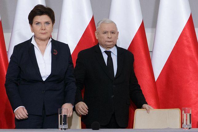 """Jarosław Kaczyński zastąpi Beatę Szydło na stanowisku premiera? Takie rewelacje przynosi tygodnik """"Sieci""""."""