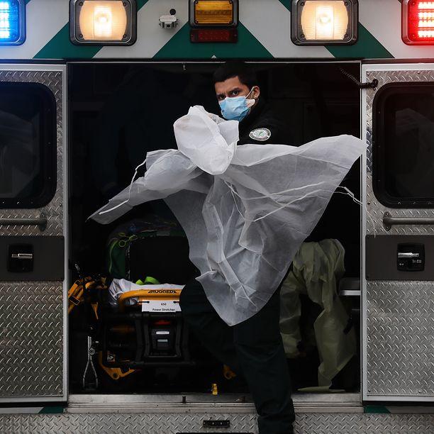 Koronawirus w USA. Jedna trzecia wszystkich zakażonych na świecie to Amerykanie. Wstrząsające dane