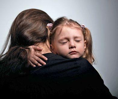 Schroniska dla bezdomnych nie będą przyjmować samotnych matek? Burza po informacji ministerstwa