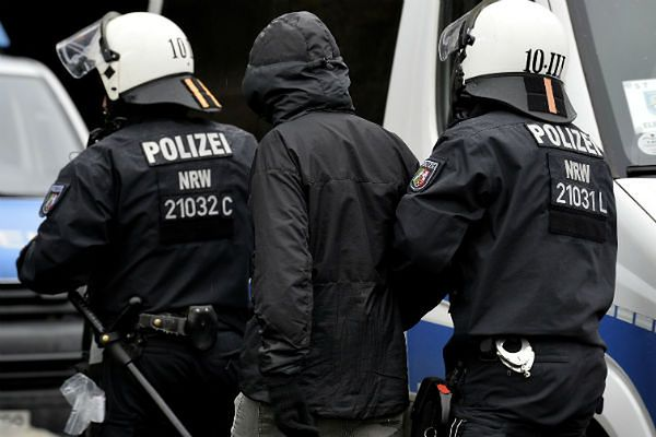 """""""Der Spiegel"""": Wraz z uchodźcami do Niemiec przyjechały tysiące talibów"""