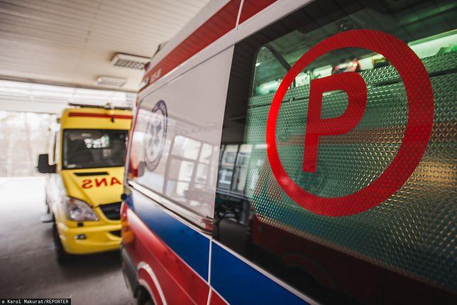 Koronawirus w Polsce? Oczekiwanie i dezynfekcja w szpitalu w Nowym Sączu