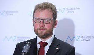 Podwładni Łukasza Szumowskiego ciągną na Nowogrodzką