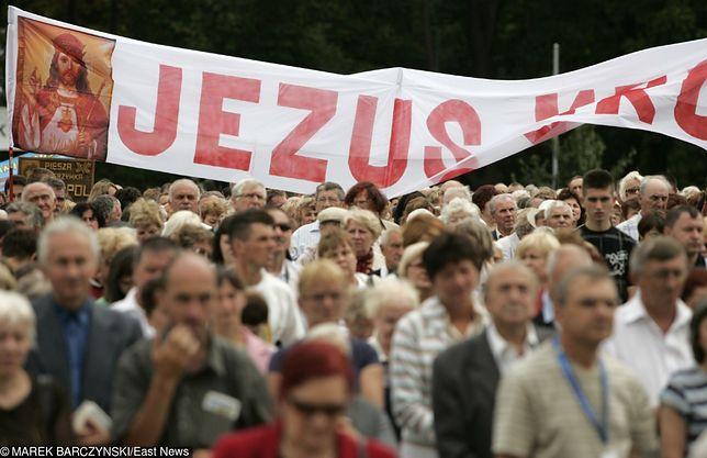 Troje młodych ludzi zostało zwerbowanych do radykalnej sekty podczas pielgrzymki na Jasną Górę.