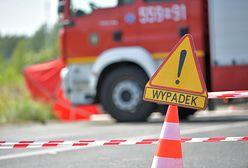Warszawa. Samochód osobowy zderzył się z tramwajem