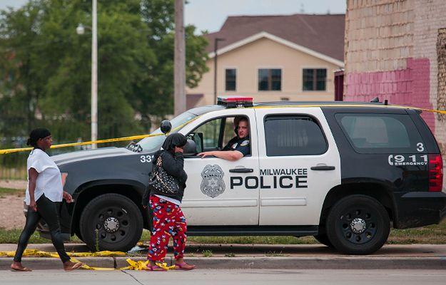 USA: kolejna noc starć w Milwaukee, 7 policjantów rannych