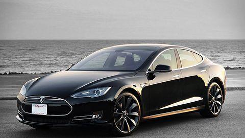 Aktualizacja dla samochodów Tesla: kolejny krok do autonomiczności