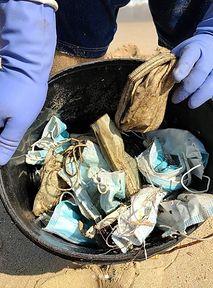 1,5 MILIARDA maseczek w oceanach. Tak pandemia niszczy środowisko