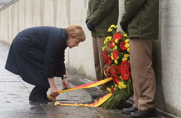Angela Merkel podczas obchodów 70. rocznicy wyzwolenia obozu w Dachau