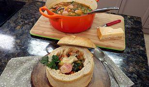 Zupa włoska w chlebku