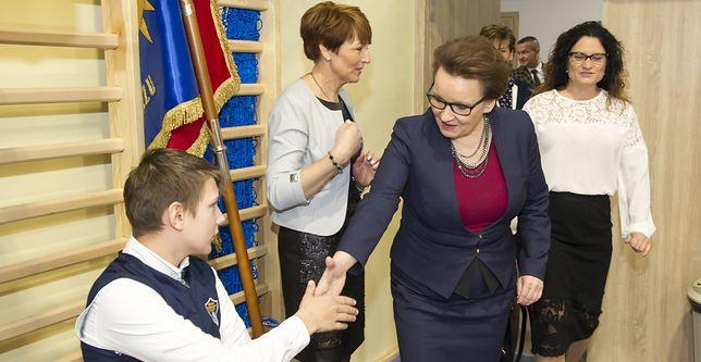 Minister edukacji Anna Zalewska podczas wizytacji jednej ze szkół