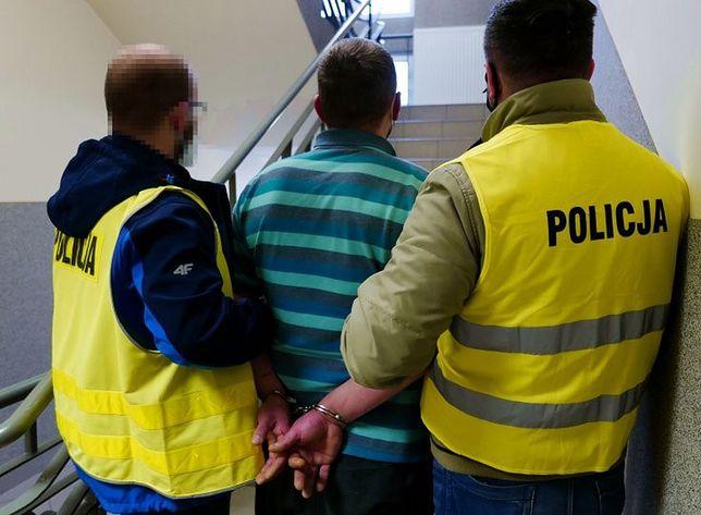 Śląskie. Policjanci w Bytomiu zatrzymali 34-latka, który wszczynał awantury domowe i dopuszczał się przemocy wobec żony.