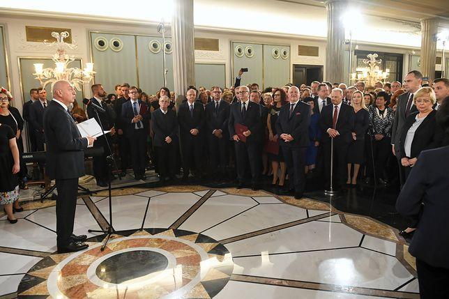 Wybory parlamentarne 2019. Wiesław Kozielewicz wręczył posłom zaświadczenia o wyborze