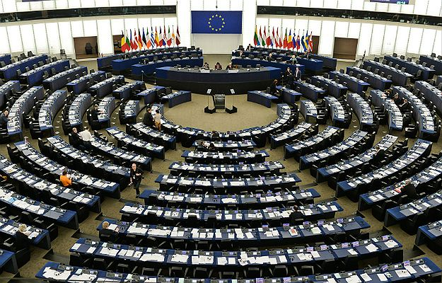 Sala plenarna w Parlamencie Europejskim w Strasburgu