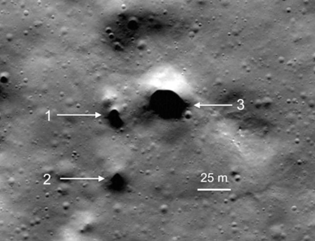 Dziwaczne dziury na Księżycu. One mogą prowadzić do podziemnych tuneli