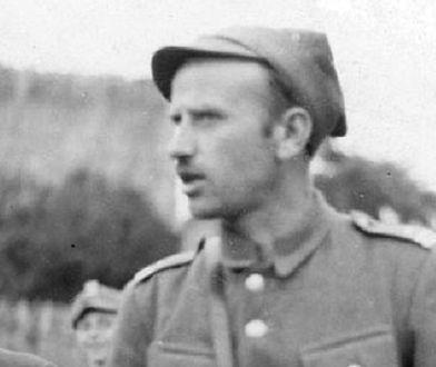 """Trumna ze szczątkami """"Łupaszki"""" wystawiona w kościele św. Krzyża"""