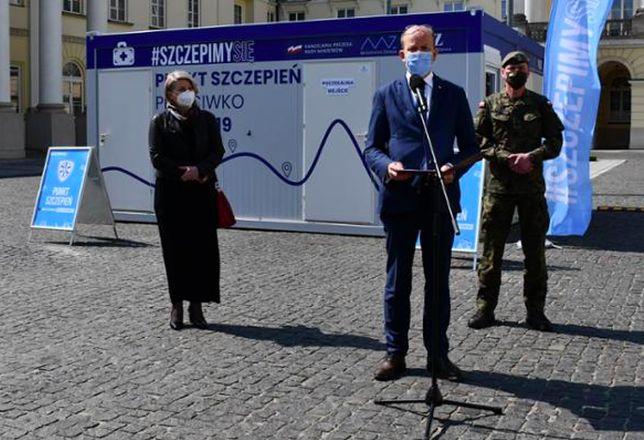 Warszawa. Od soboty 1 maja, od godziny 10, czynny będzie mobilny punkt szczepień na placu Bankowym