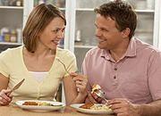 Zakonnicy nauczą, jak przygotować romantyczną kolację, doradzą, jakie kupić kwiaty i na co iść do kina.