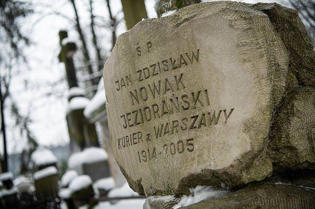 Warszawa. Miasto pamięta o legendarnym kurierze. Dla niego najważniejsza była wolność i demokracja. Z emigracji wrócił do wolnej Polski
