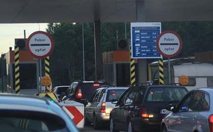 Wasiak: bramki na autostradach zostają
