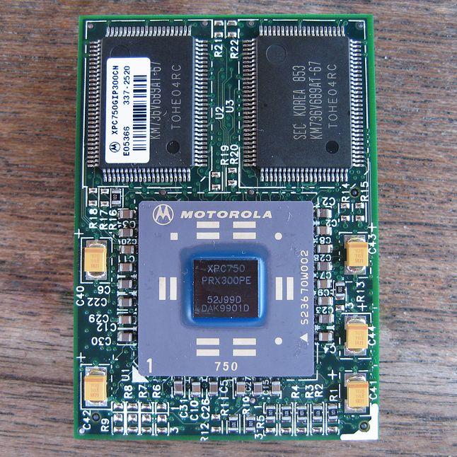Procesor PowerPC 750 wyprodukowany przez Motorolę /fot. Wikimedia Commons