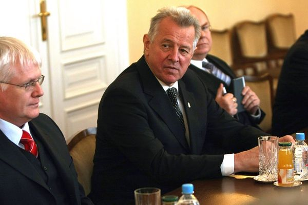 Prezydent Węgier oskarżony o plagiat
