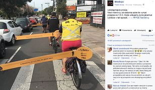 Rowerzyści w Hiszpanii przypominają jaka jest bezpieczna odległość od samochodu