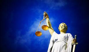 Gliwice. Akt oskarżenia gotowy, staną przed sądem za zabójstwo syna