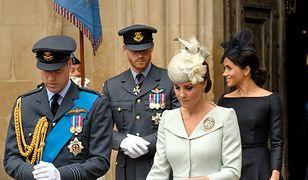 Grafolożka przeanalizowała pismo Meghan, Kate, Harry'ego i Williama