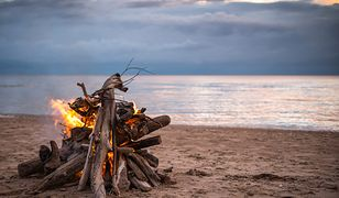 Ognisko na plaży – co zrobić, aby uniknąć mandatu