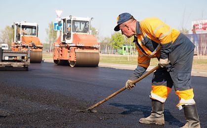 Modernizacja dróg za 56 mln zł. Wiceminister Szmit podpisał programy w woj. warmińsko-mzurskim