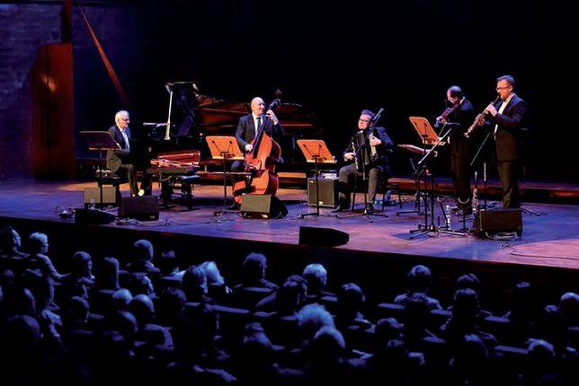 Zagan Acoustic & Krzesimir Dębski wystąpią 12 grudnia 2020 r. w Filharmonii Kaszubskiej w Wejherowie