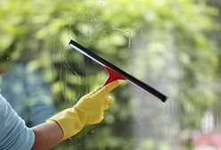 Okna, rolety, żaluzje - jak je umyć szybko i skutecznie?