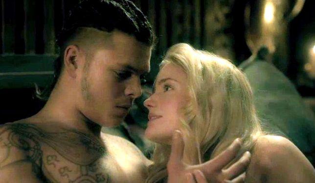 Po śmierci Ragnara na pierwszy plan wysunął się jego syn Ivar (Alex Høgh Andersen)