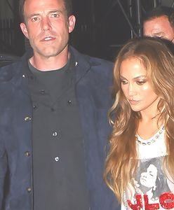 Udręczony Ben Affleck na randce z Jennifer Lopez. Już przechodzą kryzys? Paparazzi przyłapali ich w gorszym momencie