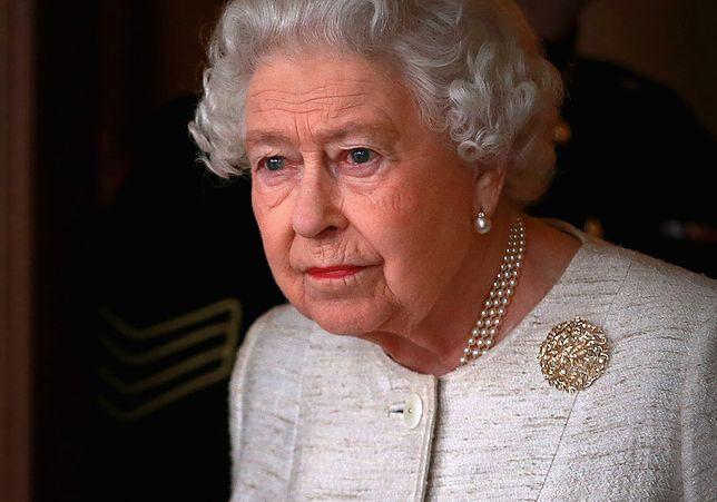 Królowa będzie podczas pogrzebu siedziała sama