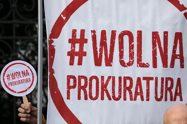 """Stowarzyszeni Sędziów Polskich """"Iustitia"""" przekonuje, że """"prokuratura nie może być uwikłana w bieżącą politykę"""""""