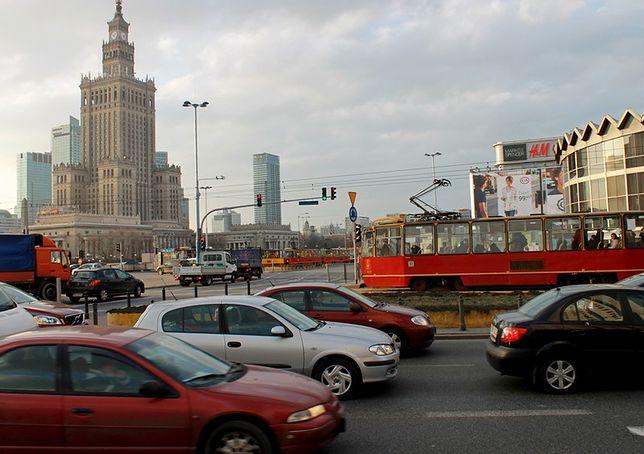 Warszawa na 3. miejscu w rankingu najbardziej zakorkowanych miast Polski