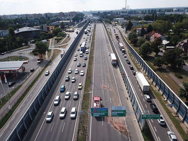 Warszawa. Na trasie S8 tworzy się korek [zdj. ilustracyjne]