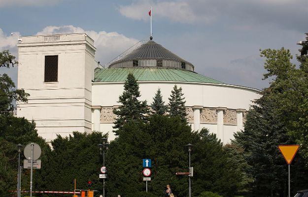 """""""Nazywam się szatan, podłożyłem bombę pod Sejm"""""""
