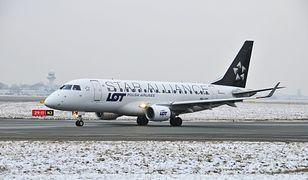 Według LOT-u rezerwacja została anulowana, ponieważ pasażer nie stawił się na lotnisku. Mężczyzna posiada dowody potwierdzające, że było inaczej