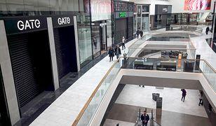 Galerie handlowe są z reguły otwarte, ale sklepy są w nich zamknięte.