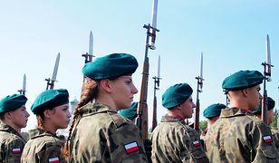"""BBC pokazała materiał o polskich klasach mundurowych. Zwraca uwagę na """"wzrost patriotyzmu"""""""