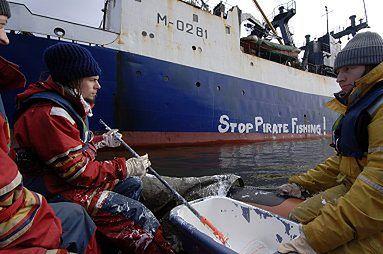 Greenpeace blokuje 12 statków