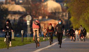 Koronawirus w Polsce. Czy bieganie w maseczce jest bezpieczne?