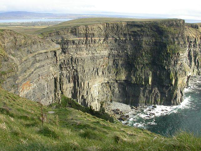 Klifami Moheru nazywany jest ośmiokilometrowy odcinek wybrzeża Atlantyku w Irlandii