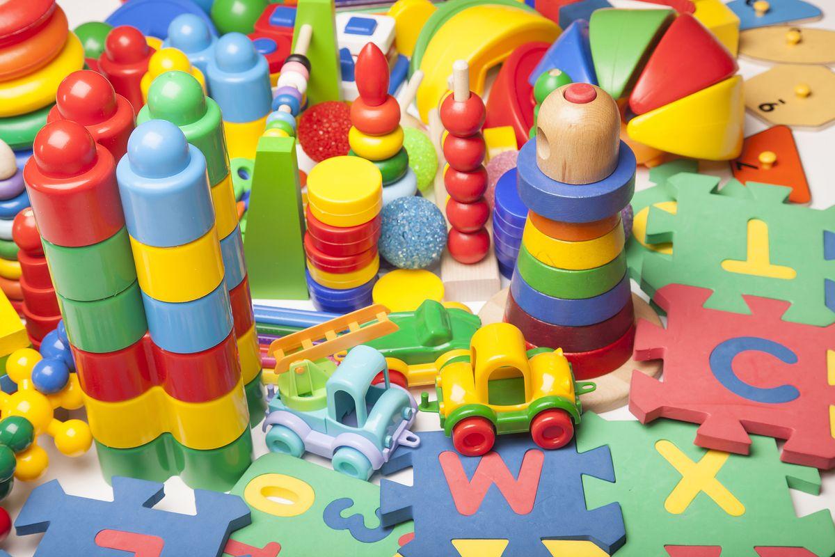 Kłopoty zabawkowego giganta. Wiadomo, co z polskimi sklepami