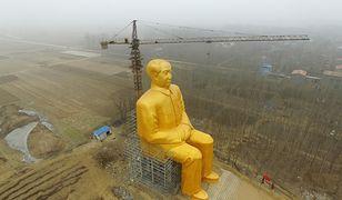 Ogromny posąg Mao Zedonga stanął w szczerym polu. Jest większy od Chrystusa w Świebodzinie