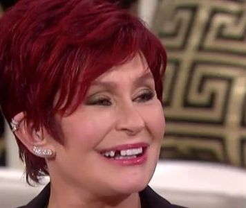 Sharon Osbourne wypadł ząb w programie na żywo!