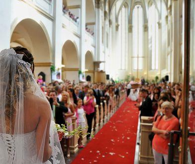 Panna młoda zażądała absurdalnego prezentu na ślub. Internauci wyśmiali jej pomysł